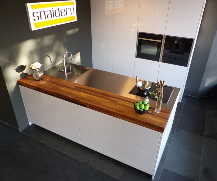 The new S12 kitchen on display in our Snaidero showroom.