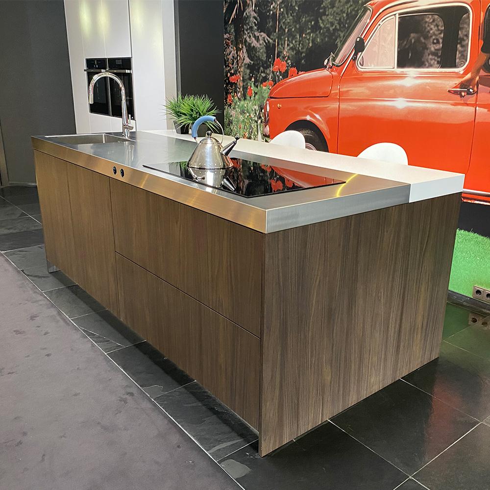 Snaidero Island Kitchen S20 - New in the Snaidero Concept Store